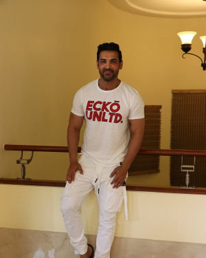 John Abraham - Photos: Promotion Of Film Pagalpanti At Jw Juhu | Picture 1696541