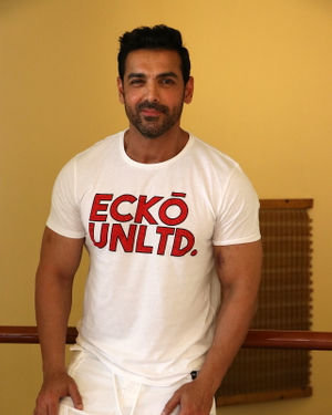 John Abraham - Photos: Promotion Of Film Pagalpanti At Jw Juhu | Picture 1696542