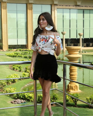 Kriti Kharbanda - Photos: Promotion Of Film Pagalpanti At Jw Juhu | Picture 1696425
