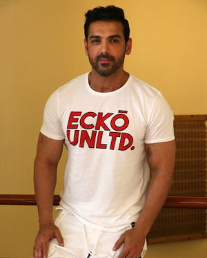John Abraham - Photos: Promotion Of Film Pagalpanti At Jw Juhu | Picture 1696576