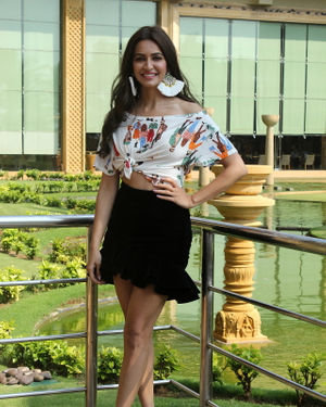 Kriti Kharbanda - Photos: Promotion Of Film Pagalpanti At Jw Juhu | Picture 1696432