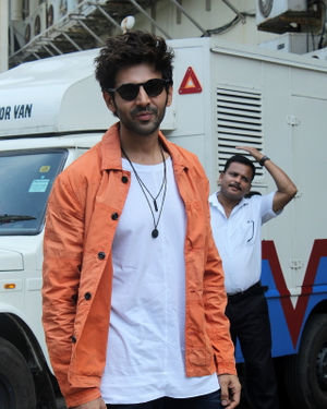 Kartik Aaryan - Photos: Trailer Launch Of Pati Patni Aur Woh