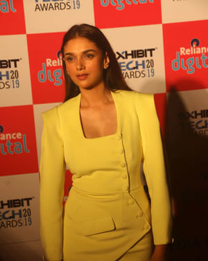 Aditi Rao Hydari - Photos: Red Carpet Of Exhibit Tech Awards 2019