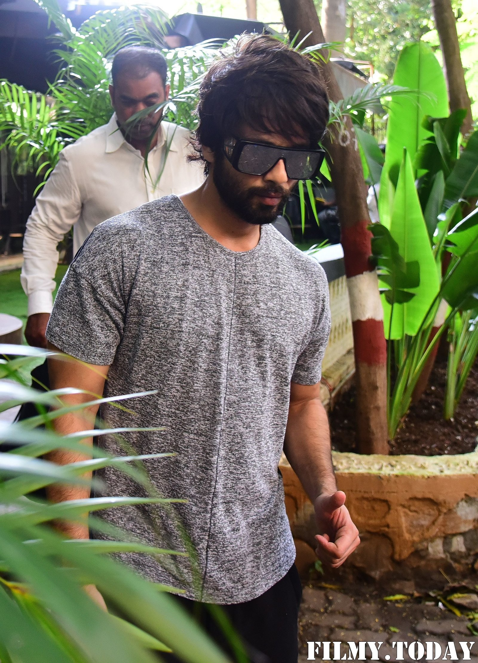 Shahid Kapoor - Photos: Celebs Spotted at Bandra | Picture 1697736