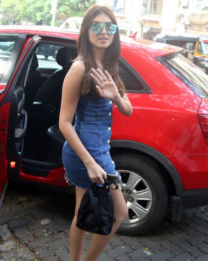 Tara Sutaria - Photos: Celebs Spotted at Bandra | Picture 1697739