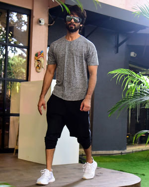 Shahid Kapoor - Photos: Celebs Spotted at Bandra | Picture 1697734