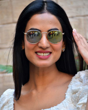 Sonal Chauhan - Photos: Celebs Spotted At Bayroute In Juhu