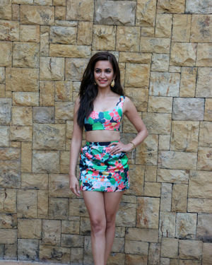 Kriti Kharbanda - Photos: Promotion Of Film Pagalpanti At Jw Juhu | Picture 1697875