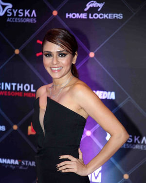 Amruta Khanvilkar - Photos: Red Carpet For The 2nd Edition Of MTV IWMBuzz Digital Awards   Picture 1698182
