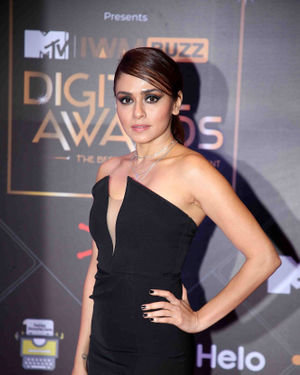 Amruta Khanvilkar - Photos: Red Carpet For The 2nd Edition Of MTV IWMBuzz Digital Awards