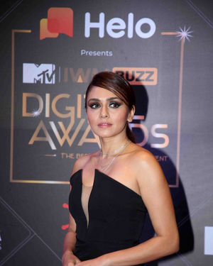 Amruta Khanvilkar - Photos: Red Carpet For The 2nd Edition Of MTV IWMBuzz Digital Awards   Picture 1698180