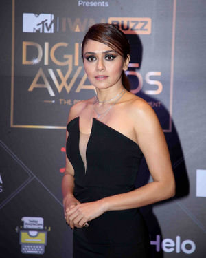 Amruta Khanvilkar - Photos: Red Carpet For The 2nd Edition Of MTV IWMBuzz Digital Awards   Picture 1698177