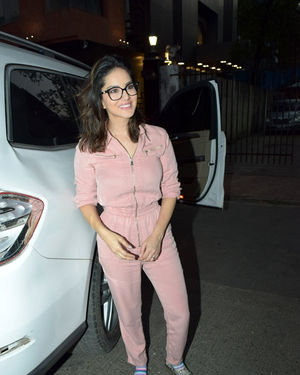 Sunny Leone - Photos: Celebs Spotted at Bandra