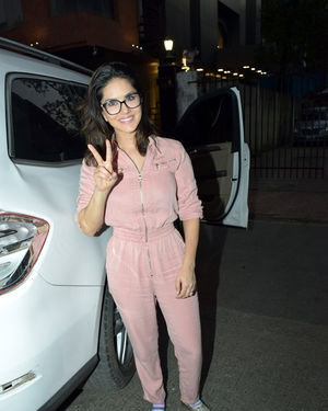 Sunny Leone - Photos: Celebs Spotted at Bandra | Picture 1699182