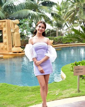 Kriti Kharbanda - Photos: Promotion Of Film Pagalpanti At Jw Juhu | Picture 1700175