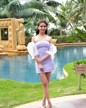 Kriti Kharbanda - Photos: Promotion Of Film Pagalpanti At Jw Juhu | Picture 1700172
