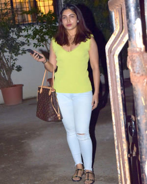Bhumi Pednekar - Photos: Celebs Spotted At Kromakay Salon In Juhu | Picture 1700948