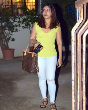 Bhumi Pednekar - Photos: Celebs Spotted At Kromakay Salon In Juhu | Picture 1700949