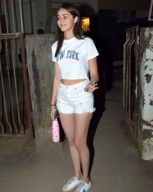 Ananya Panday - Photos: Celebs Spotted At Kromakay Salon In Juhu | Picture 1700943
