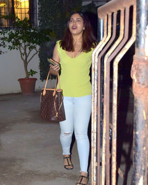 Bhumi Pednekar - Photos: Celebs Spotted At Kromakay Salon In Juhu | Picture 1700950
