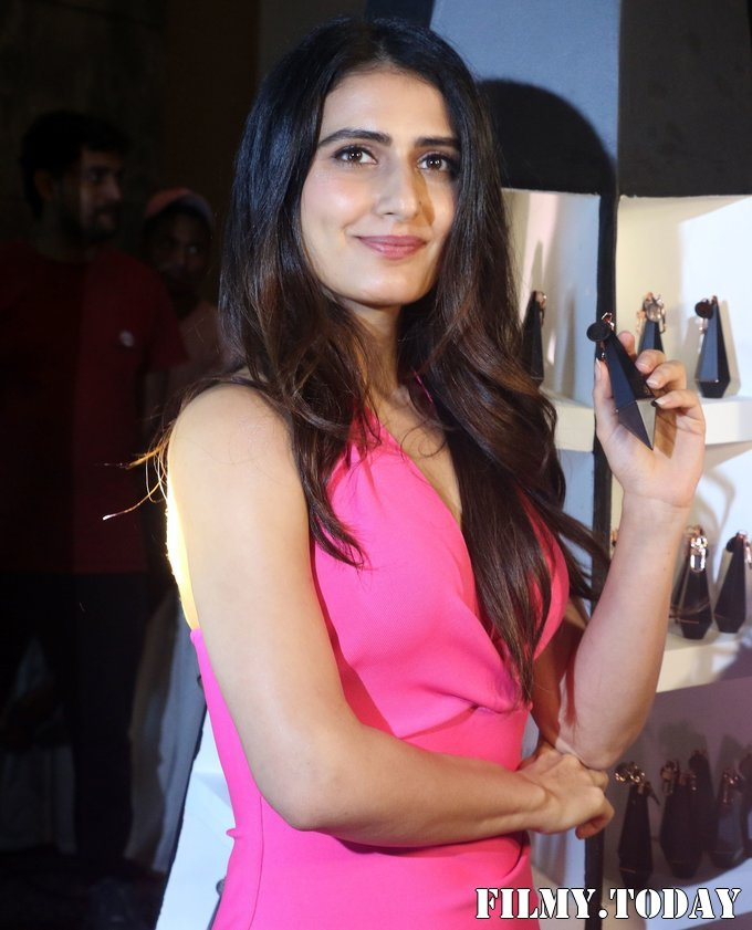 Fatima Sana Shaikh - Photos: Unveiling Of An India Inspired Line Of Lip Shade 25o2   Picture 1700902
