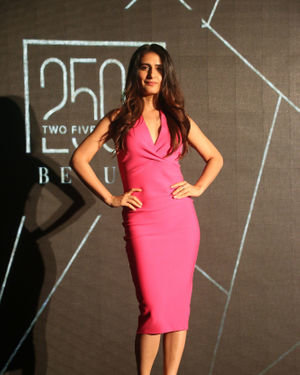 Fatima Sana Shaikh - Photos: Unveiling Of An India Inspired Line Of Lip Shade 25o2 | Picture 1700873