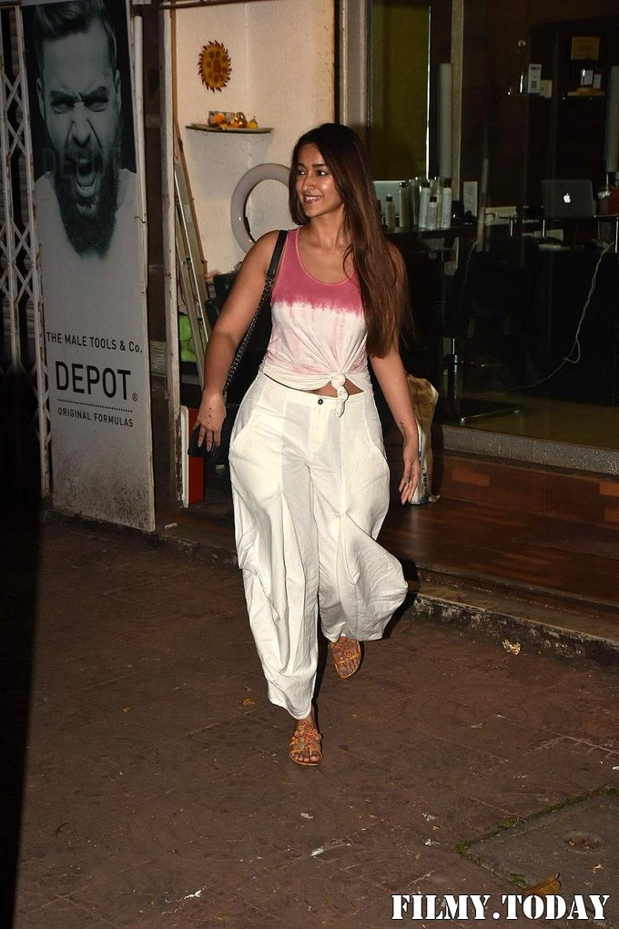 Ileana D Cruz - Photos: Celebs Spotted at Bandra | Picture 1701400