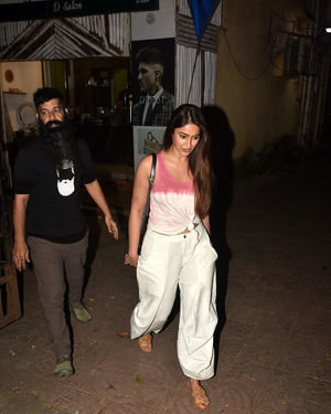 Ileana D Cruz - Photos: Celebs Spotted at Bandra | Picture 1701398