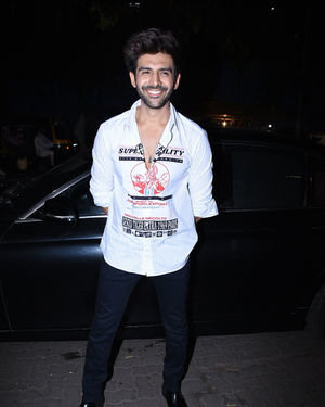 Kartik Aaryan - Photos: Kartik Aryan Birthday Party At Arth In Khar