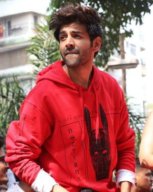 Kartik Aaryan - Photos: Promotion Of Film Pati Patni Aur Woh At Mithibai College | Picture 1701188