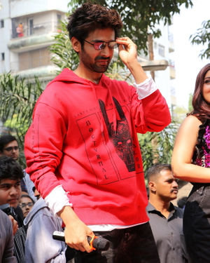 Kartik Aaryan - Photos: Promotion Of Film Pati Patni Aur Woh At Mithibai College | Picture 1701187
