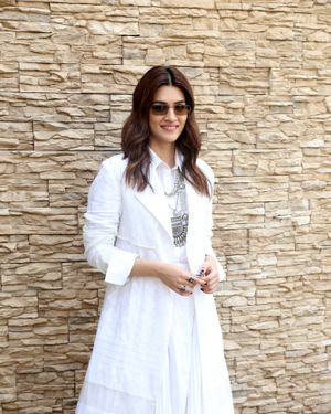 Kriti Sanon - Photos: Promotion Of Film Panipat At Sun N Sand | Picture 1701545