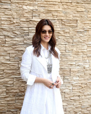 Kriti Sanon - Photos: Promotion Of Film Panipat At Sun N Sand | Picture 1701541