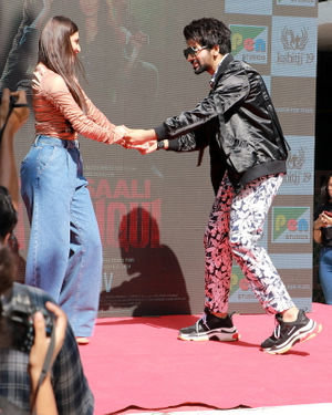 Photos: Promotion Of Film Yeh Saali Aashiqui At Kshitij Fest In Mithibai College | Picture 1702069