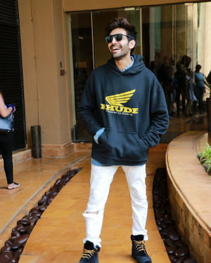 Kartik Aaryan - Photos: Promotion Of Film Pati Patni Aur Woh | Picture 1702532