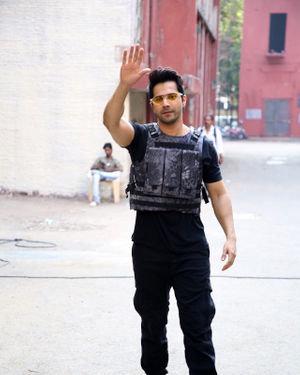 Photos: Varun Dhawan At The Shoot Of Breezer Vivid Shuffle Music Music Video | Picture 1702570