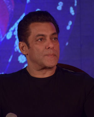 Salman Khan - Photos: Munna Badnaam Hua Song Launch From Dabangg3 At Jw Marriott