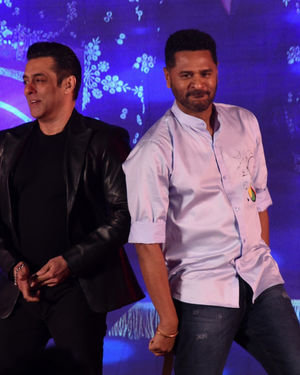 Photos: Munna Badnaam Hua Song Launch From Dabangg3 At Jw Marriott | Picture 1703428