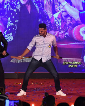 Photos: Munna Badnaam Hua Song Launch From Dabangg3 At Jw Marriott | Picture 1703425