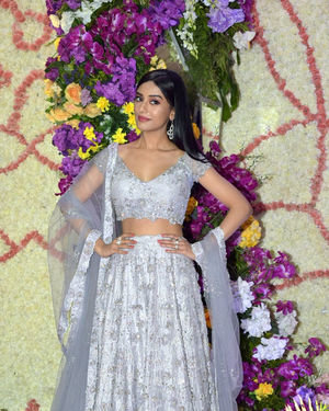 Amrita Rao - Photos: Wedding Reception Of Sooraj Barjatya's Son Devansh At Jw Marriott Juhu