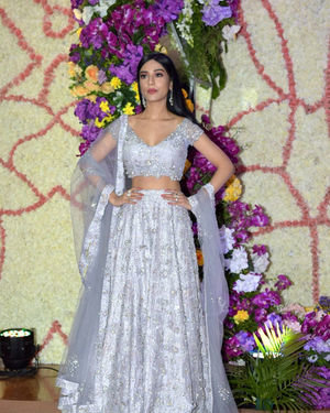 Amrita Rao - Photos: Wedding Reception Of Sooraj Barjatya's Son Devansh At Jw Marriott Juhu   Picture 1703066