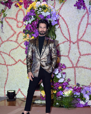 Shahid Kapoor - Photos: Wedding Reception Of Sooraj Barjatya's Son Devansh At Jw Marriott Juhu | Picture 1703025