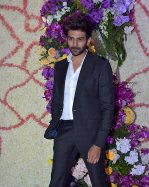 Kartik Aaryan - Photos: Wedding Reception Of Sooraj Barjatya's Son Devansh At Jw Marriott Juhu