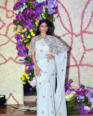 Tanisha Mukherjee - Photos: Wedding Reception Of Sooraj Barjatya's Son Devansh At Jw Marriott Juhu | Picture 1703031