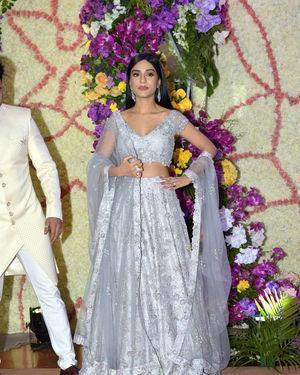 Amrita Rao - Photos: Wedding Reception Of Sooraj Barjatya's Son Devansh At Jw Marriott Juhu   Picture 1703060