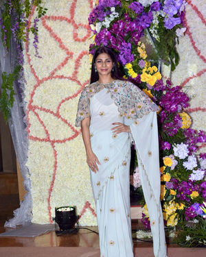 Tanisha Mukherjee - Photos: Wedding Reception Of Sooraj Barjatya's Son Devansh At Jw Marriott Juhu | Picture 1703030