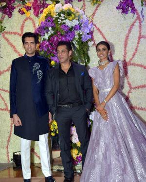 Photos: Wedding Reception Of Sooraj Barjatya's Son Devansh At Jw Marriott Juhu | Picture 1703105