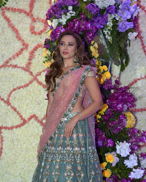 Lulia Vantur - Photos: Wedding Reception Of Sooraj Barjatya's Son Devansh At Jw Marriott Juhu | Picture 1703083