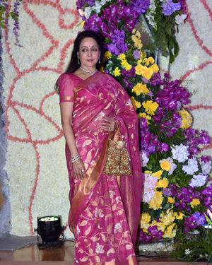 Hema Malini - Photos: Wedding Reception Of Sooraj Barjatya's Son Devansh At Jw Marriott Juhu | Picture 1703056