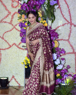 Madhuri Dixit - Photos: Wedding Reception Of Sooraj Barjatya's Son Devansh At Jw Marriott Juhu | Picture 1703088